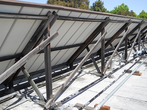 Wood sight screen to conceal rooftop equipment